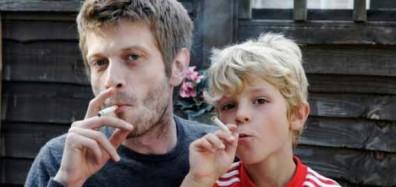 positive-news-children-watching-adult-action-720x340